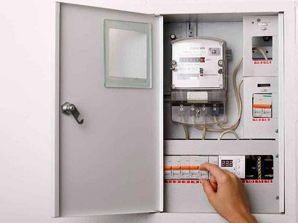 Installazione-salvavita-impianto-elettrico-modena