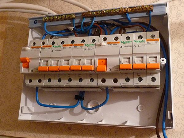Rifare-impianto-elettrico-casa-modena